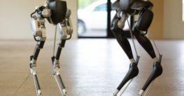 Cassie de Agility Robotics aprende a andar