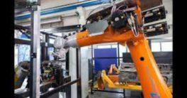 Kuka y Coulson Ice Blast desarrollan un brazo robótico que limpia con un chorro de hielo